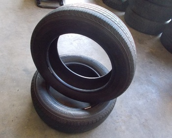Bridgestone - 2 used tire REGNO (175/65R15)